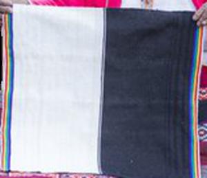 Manta ceremonial dos colores